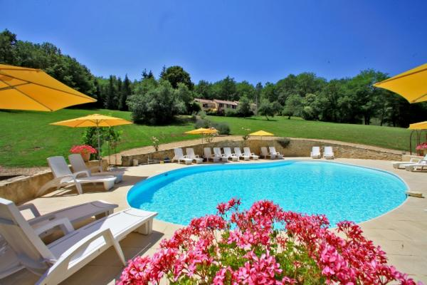 IN A WONDERFUL LOCATION !!! SUPERB PROPERTY COMPOSED OF 5 TOP END QUALITY GITES, A SWIMMING POOL et