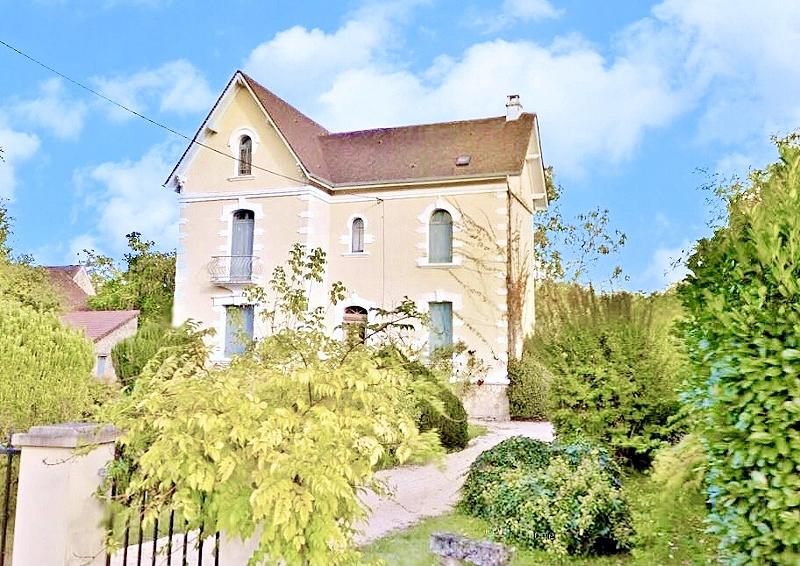 IN THE DORDOGNE VALLEY, 15KM AWAY, WEST FROM SARLAT, LOVELY 5 BEDROOM HOUSE, RESTORED IN 2005, ON A