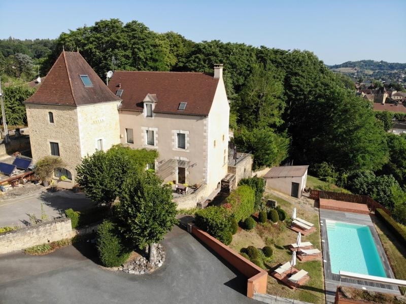 PRIVILEGED SITUATION AND WONDERFULL VIEW ON THE MEDIEVAL CENTRE OF SARLAT !! MAGNIFICENT HOUSE OF AP
