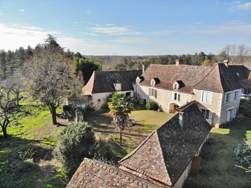 30 MIN. WEST SARLAT - VERY NICE RESTORATION PROJECT FOR THIS SET INCLUDING MAIN HOUSE, GUEST HOUSE A